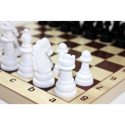 Зачем учить ребенка играть в шахматы и шашки. Польза для детского развития